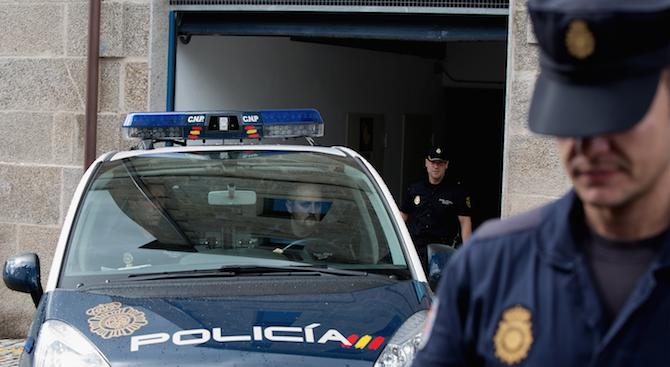 Полицията в Испания задържа български автокрадец, който е използвал фалшиви