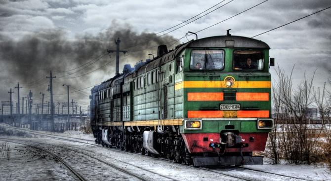 Локомотив пламна на гарата на Горна Оряховица, съобщава Нова. Инцидентът