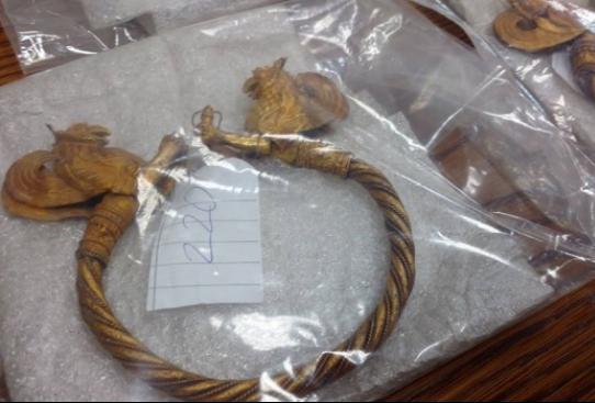 Окончателно в ареста остават 4-мата задържани, опитали да продадат златно съкровище (снимки)
