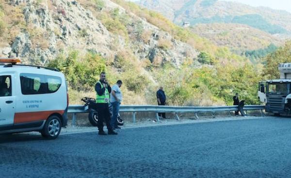 39-годишен моторист е пострадал при катастрофа с ТИР на пътя
