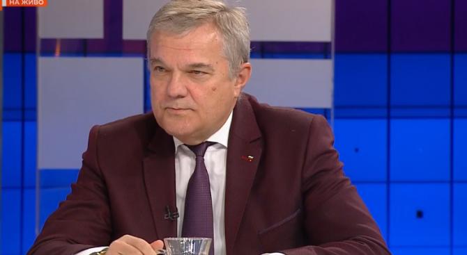 Най-грубият цинизъм е на вицепремиера Валери Симеонов. Това коментира днес