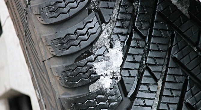 Смяната на летни със зимни гуми трябва да бъде извършена