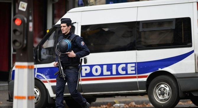 Трима души са обвинени във Франция във връзка с ислямистко