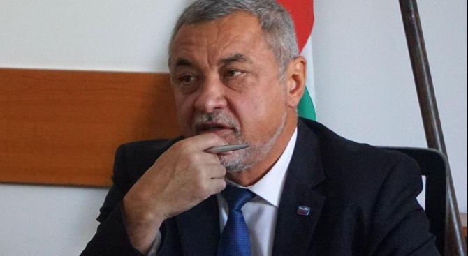 Очаква се утре протестът за оставка на вицепремиера Валери Симеонов