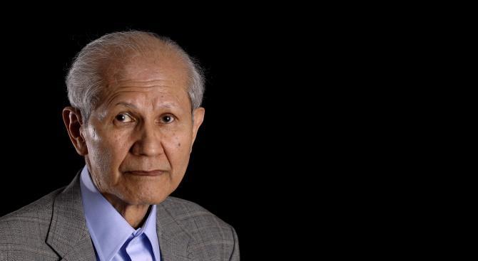 Носителят на Нобелова награда за химия за 2008 г. Осаму