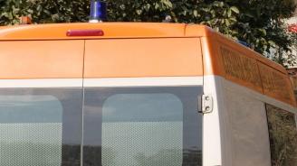 Шофьор на училищен микробус почина по време на движение, но спаси децата