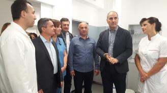 Цветан Цветанов посети центъра за инвазивна кардиология в МБАЛ – Смолян (снимки)