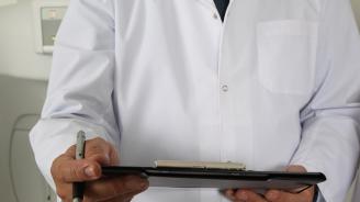 Лекарите в МБАЛ-Добрич получиха работно облекло за първи път от 13 години насам