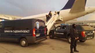 Северин Красимиров беше екстрадиран в България (обновена+снимки)