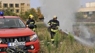Пожарникарите от Хасково демонстрираха новата си техника (снимки)