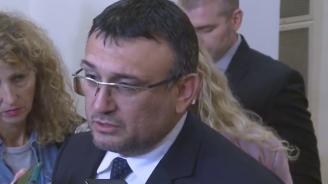 Младен Маринов с подробности за Северин Красимиров и полицаите, нападнати от роми в Сливен (видео)