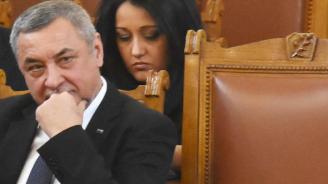 Знаят ли депутатите на Валери Симеонов как се казва партията им (снимка+видео)