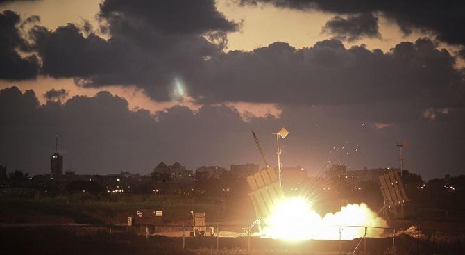 ХАМАС удари Израел с ракети. ЦАХАЛ отвърна с бомби (видео)
