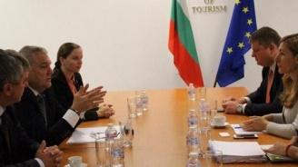Николина Ангелкова проведе работна среща с лидера на АБВ Румен Петков