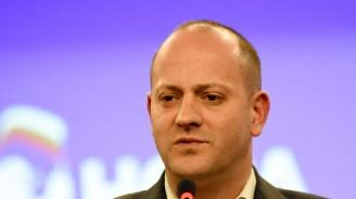 Радан Кънев: Докато няма демократична десница в управлението, ще наблюдаваме разпад и простотия (видео)