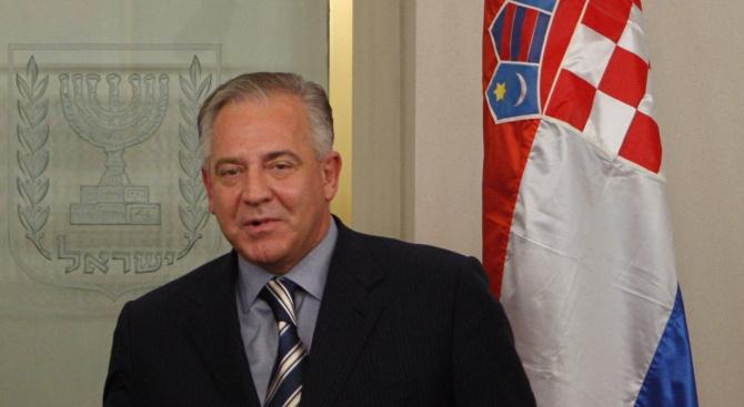 Бившият хърватски премиер Иво Санадер бе осъден на две години