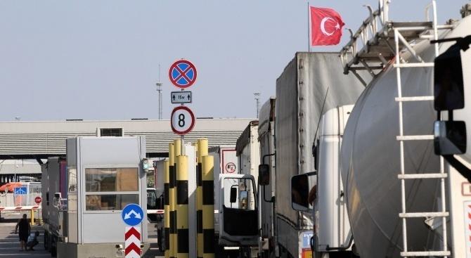 """Трафикът на """"Капитан Андреево"""" на българо-турската граница е интензивен на"""