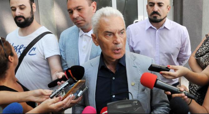 """""""Оставката на вицепремиера Валери Симеонов няма да доведе до счупване,"""