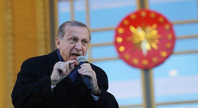 Турският президент Реджеп Тайип Ердоган се е обадил по телефона