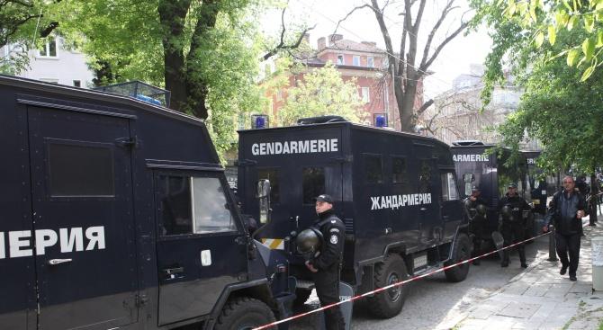 В Мъглиж раниха полицаи. Жандармерията отвърна с операция