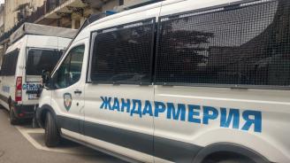 Засилено полицейско присъствие в центъра на София заради протеста срещу Валери Симеонов (снимки)