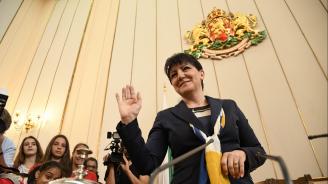Цвета Караянчева: Вотът на недоверие няма да мине