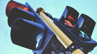 Подменят светофарите на осем кръстовища в Перник