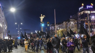 Не спират протестите срещу Валери Симеонов