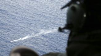 Няма признаци за оцелели от разбилия се индонезийски пътнически самолет (видео)