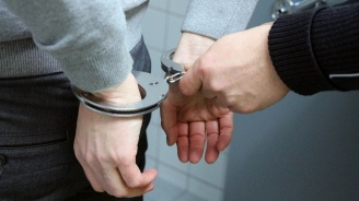 Закопчаха петима души за притежание на наркотици