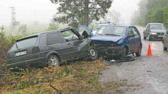 Челен удар между коли на пътя между Търново и Варна, има ранени
