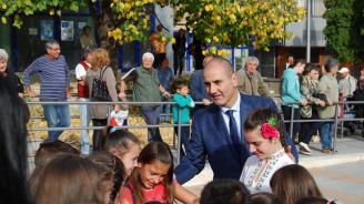 Цветанов присъства на откриването на обновения централен площад в Горна Оряховица (снимки)