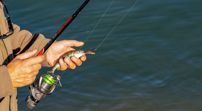 Временно ограничение за риболов в граничния участък на Марица