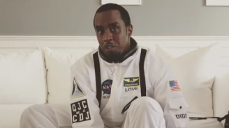 Пи Диди скочи с парашут по повод 49-ия си рожден ден (видео)