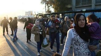 Стотици сирийски бежанци са напуснали Ливан по шосето Бейрут-Дамаск
