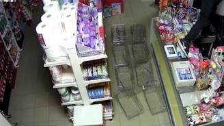 Заловиха крадците, задигали цигари от магазини