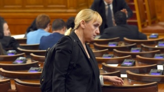 Елена Йончева: Единственото нещо, което съм правила, е журналистика
