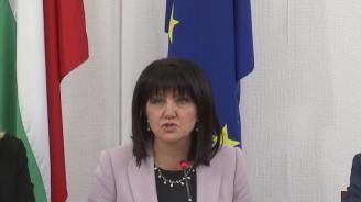 Караянчева: Българският гражданин е натрупал достатъчно опит от срещи с фалшиви пророци