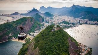 Кално свлачище отне живота на пет души в предградие на Рио де Жанейро