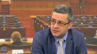 Тома Биков: Демокрацията не е в опасност (видео)