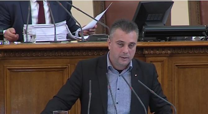 Юлиан Ангелов: Няма такъв двуличник като Марешки