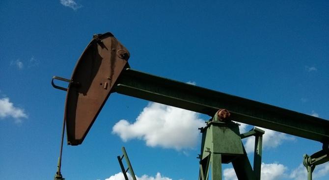 Петролните фючърси нарастват рязко по време на търговията в сряда