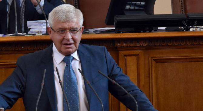 Министърът на здравеопазването Кирил Ананиев изрази по време на парламентарния