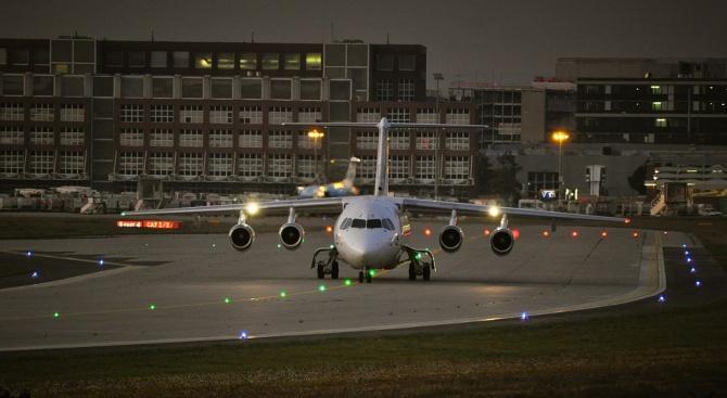 """Самолет на """"Лайън еър"""" претърпя нов инцидент, седмица след трагичната"""