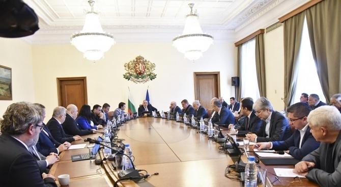 Декларацията на Корнелия Нинова, че България ще подкрепи пакта за