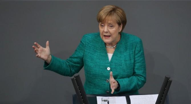 Германският канцлер Ангела Меркел предупреди, че в Германия се засилва