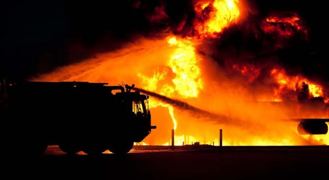 Пожар се разрази днес в мол в град Люлебургаз в