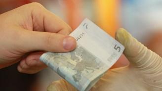 Сърби хванаха турци с 28 000 фалшиви евро