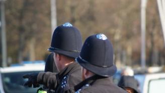 21 нелегални мигранти са открити в хладилен камион във Великобритания