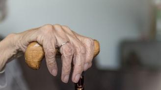 Крадец към 83-годишна пенсионерка: Бабке, взе ли заплатичката?